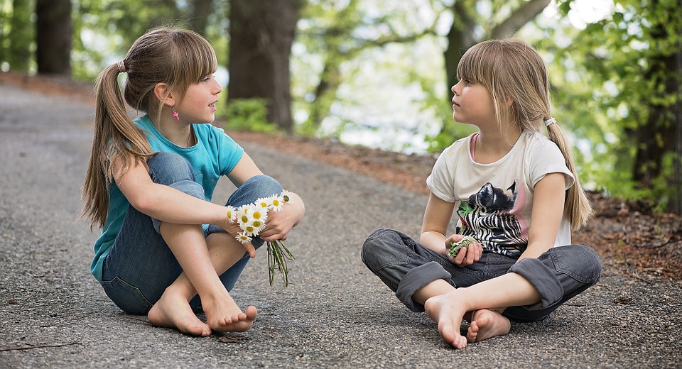 twee-meisjes-gratis